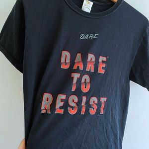 Vintage 90s D.A.R.E retro tee shirt tik tok ✨